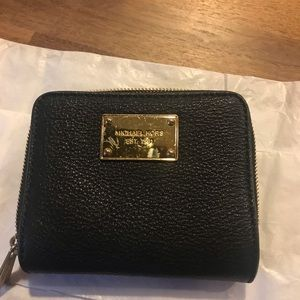 MICHAEL KORS Multi-Compartment Wallet